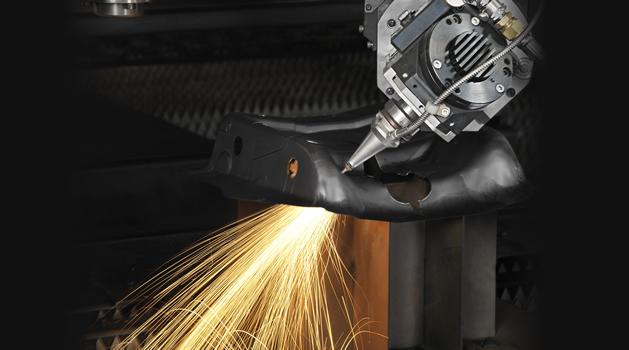 Découpe Laser 3D, 5 axes - gros plan laser