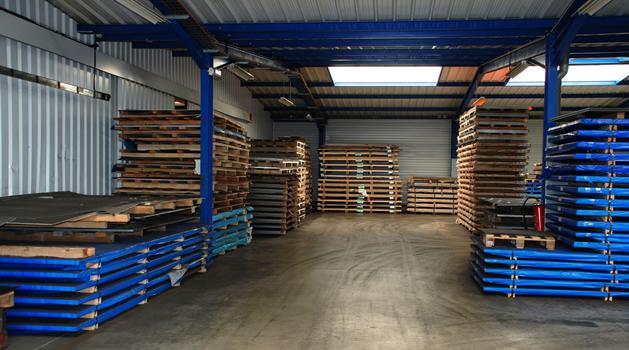 Entrepôt de stockage des matières